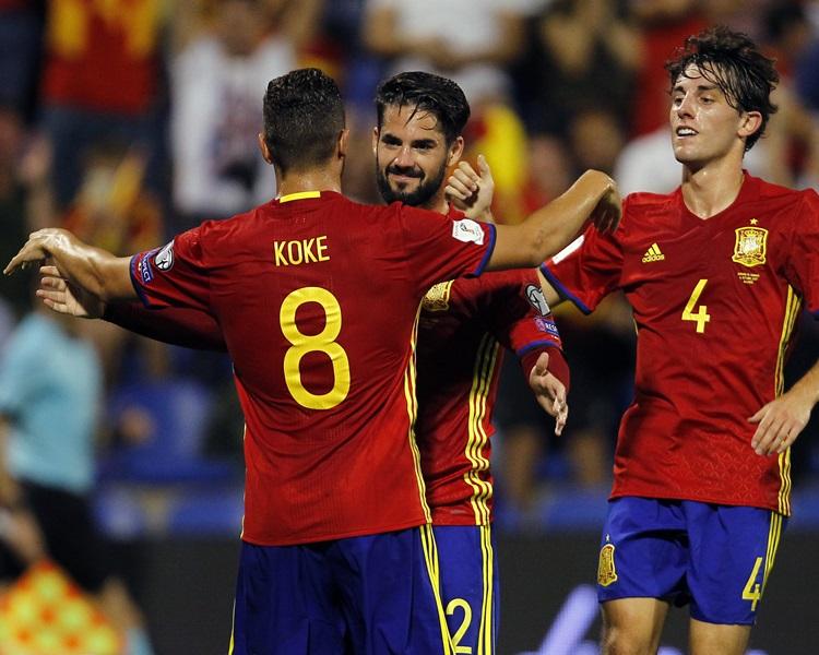 西班牙大勝提早出線。AP