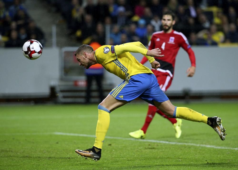 在A組,瑞典主場以8:0大勝盧森堡。AP