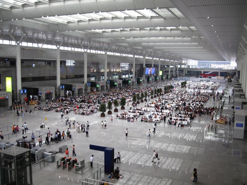 上海三大火車站,包括上海站、上海虹橋站和上海南站,將對進入北京的列車實施「二次安檢」(網上圖片)