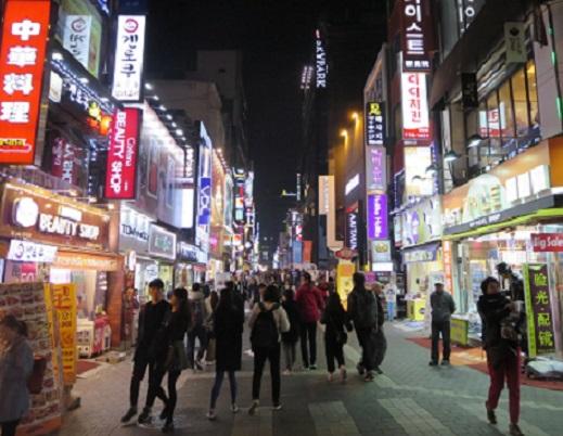 南韓開放免簽證入境後,非法居留的外國人3年内約增加4.5萬人。 資料圖片