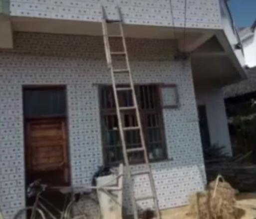 死亡的鄧姓嫌犯,利用樓梯入屋行竊。 網上圖片