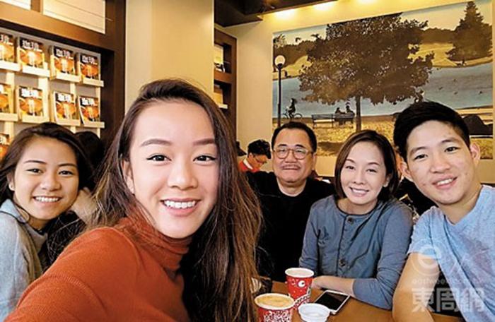 區令山的男友Andrew早已融入區家,去年聖誕節,毛姐安排全家去東京旅行,也有邀請他同行。