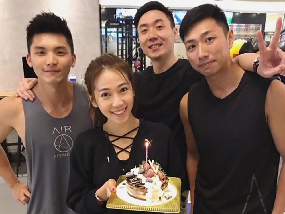 生日前夕已有一班朋友與Jessica提早慶祝。