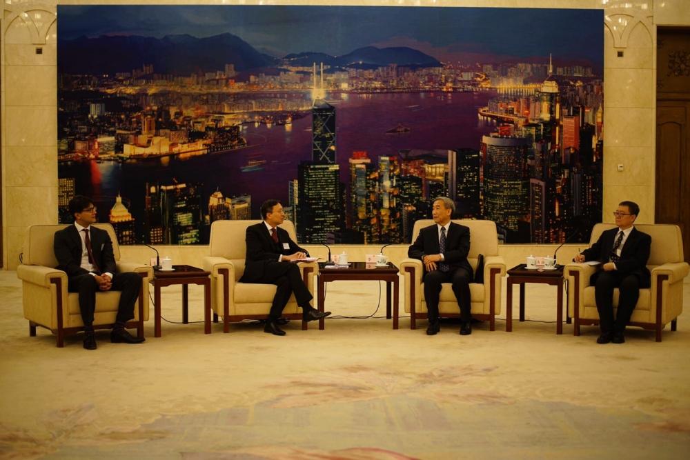 大律師公會與基本法委員會主任李飛會面。