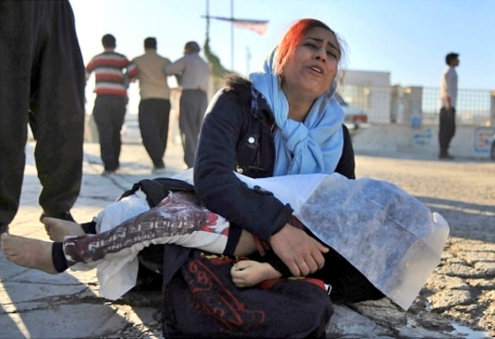 地震死亡人數增至530人,受傷人數亦增至逾8000人。