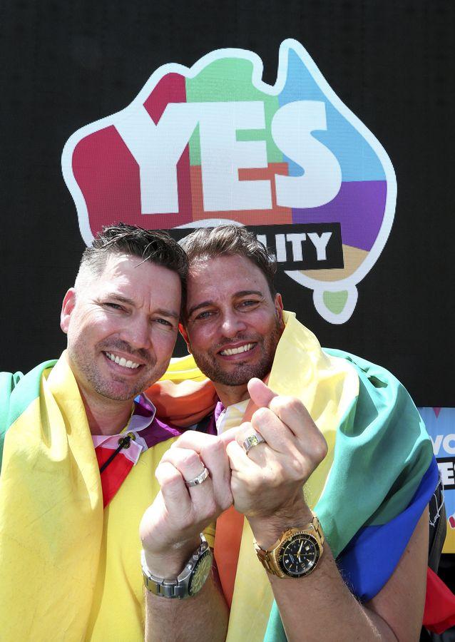 數以千計支持同性婚姻的市民在雪梨公園及其他城市的公園大肆慶祝。AP