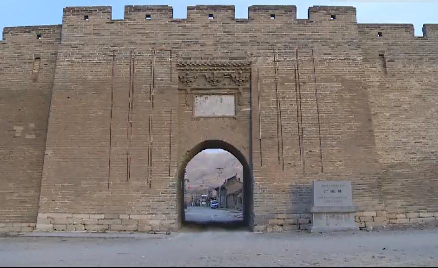 舊廣武城最大一次土墻維修工程。。新華社