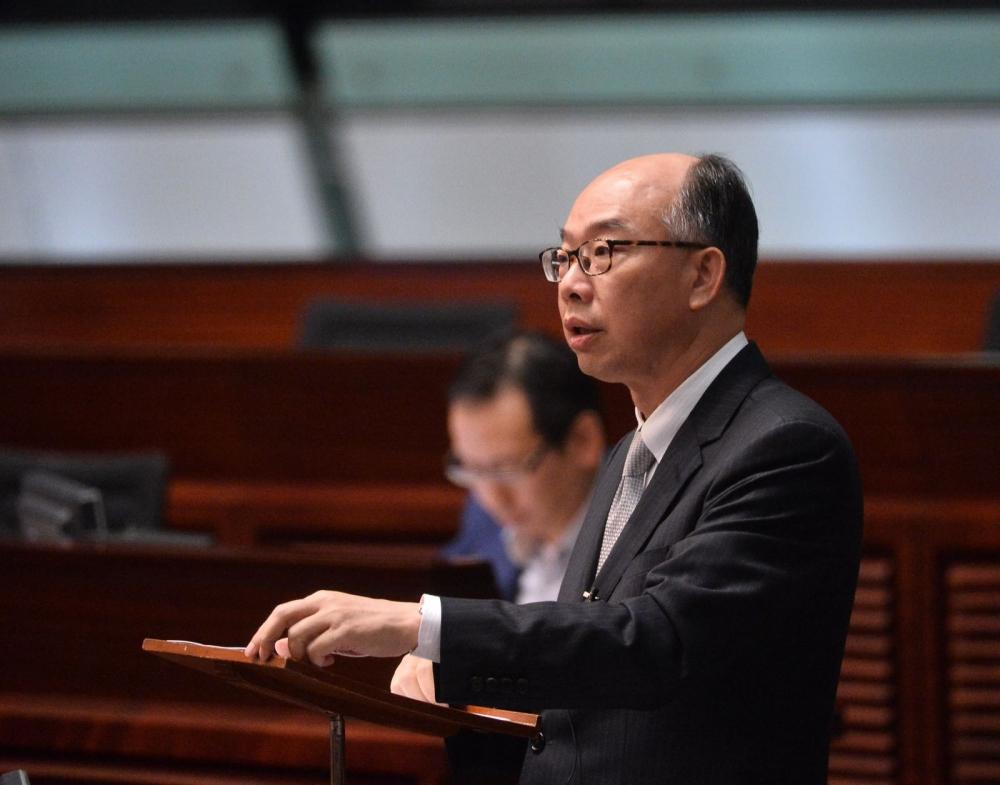 陳帆表示雙倍印花稅等抑壓炒樓措施已取得成效。