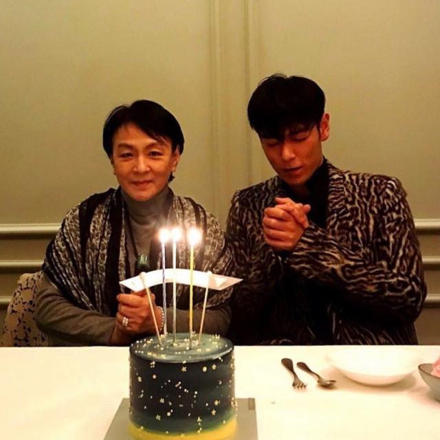 T..O.P早前在媽媽陪伴慶生。