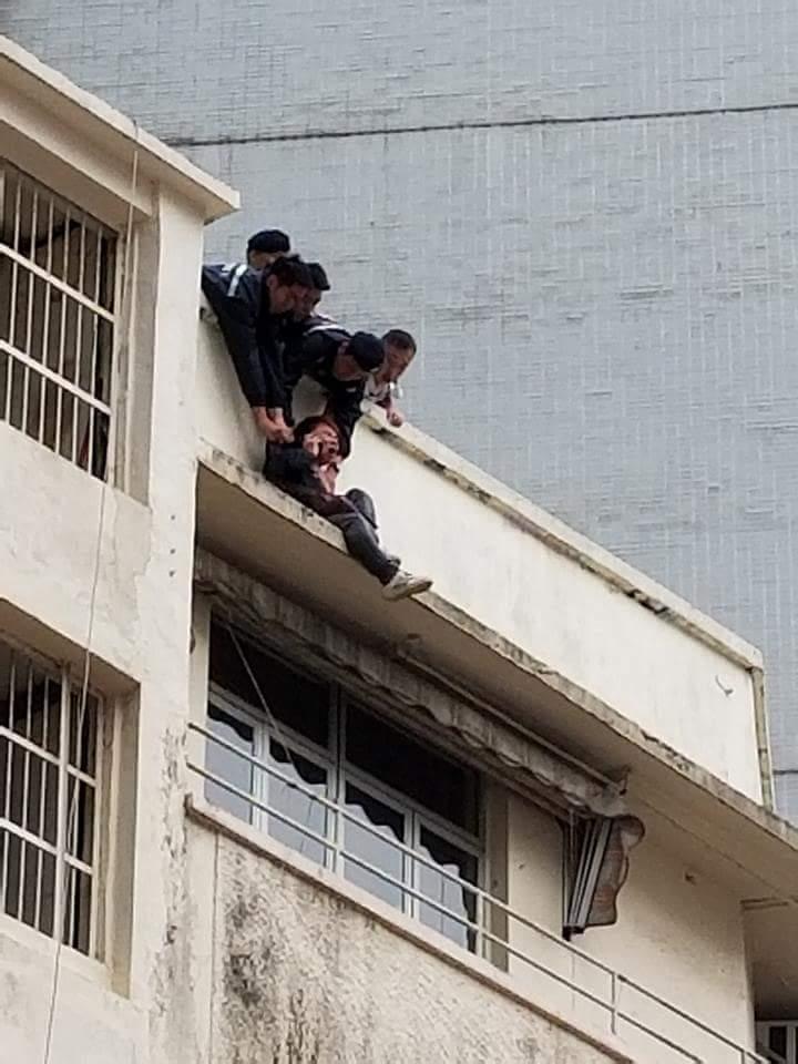 銅鑼灣男子企圖跳樓。香港突發事故報料區圖片