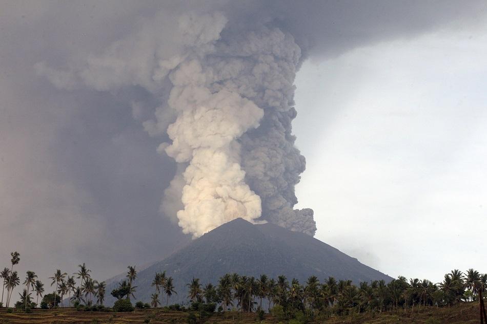 印尼峇里島阿貢火山。AP圖片