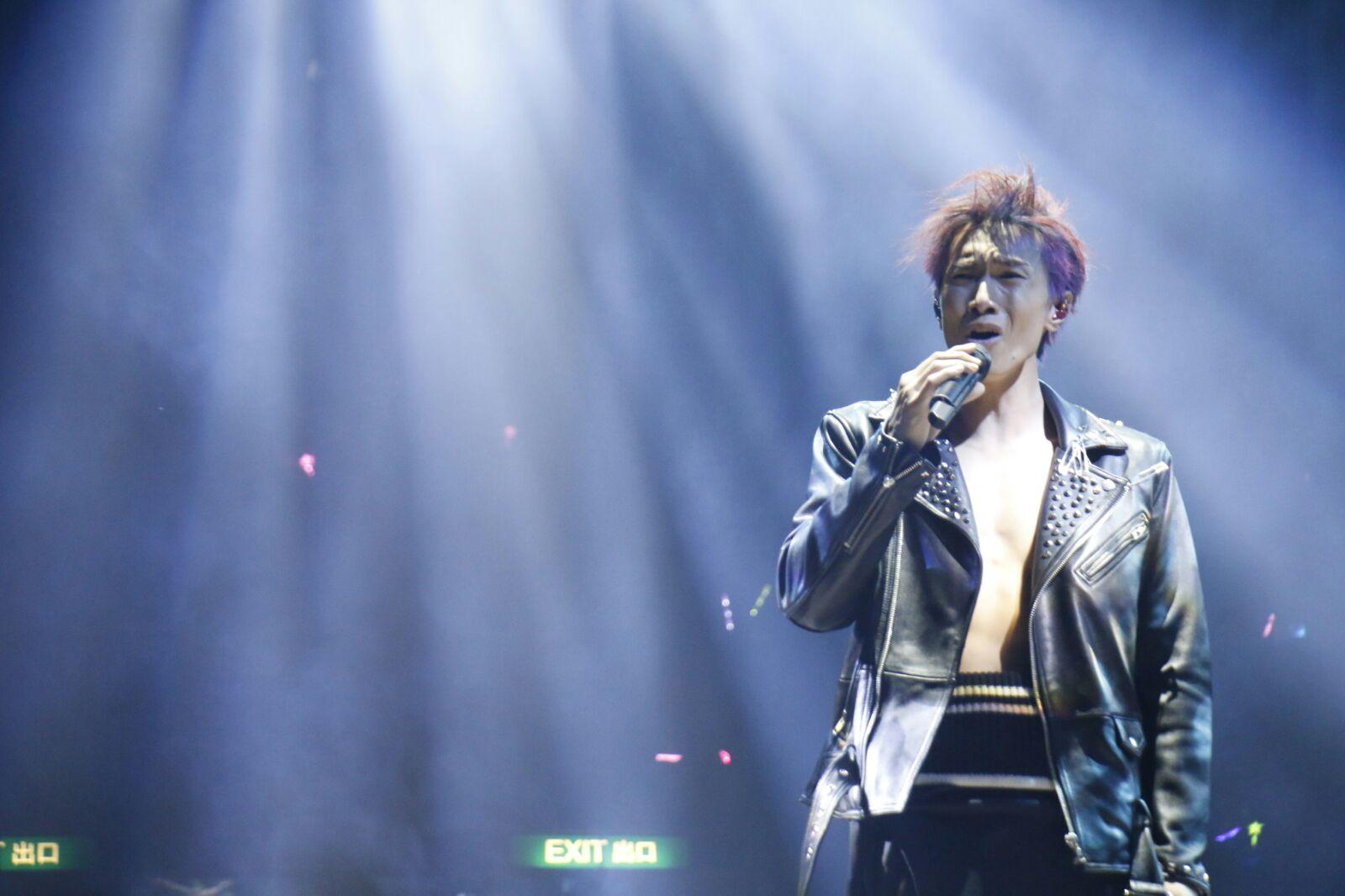 昨晚一连两场《陈柏宇Speechless演唱会2017》揭幕。