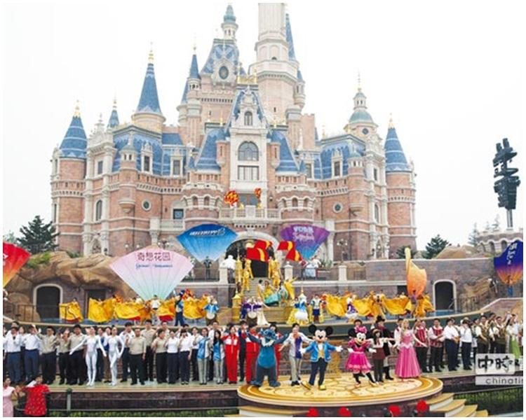 上海迪士尼樂園。