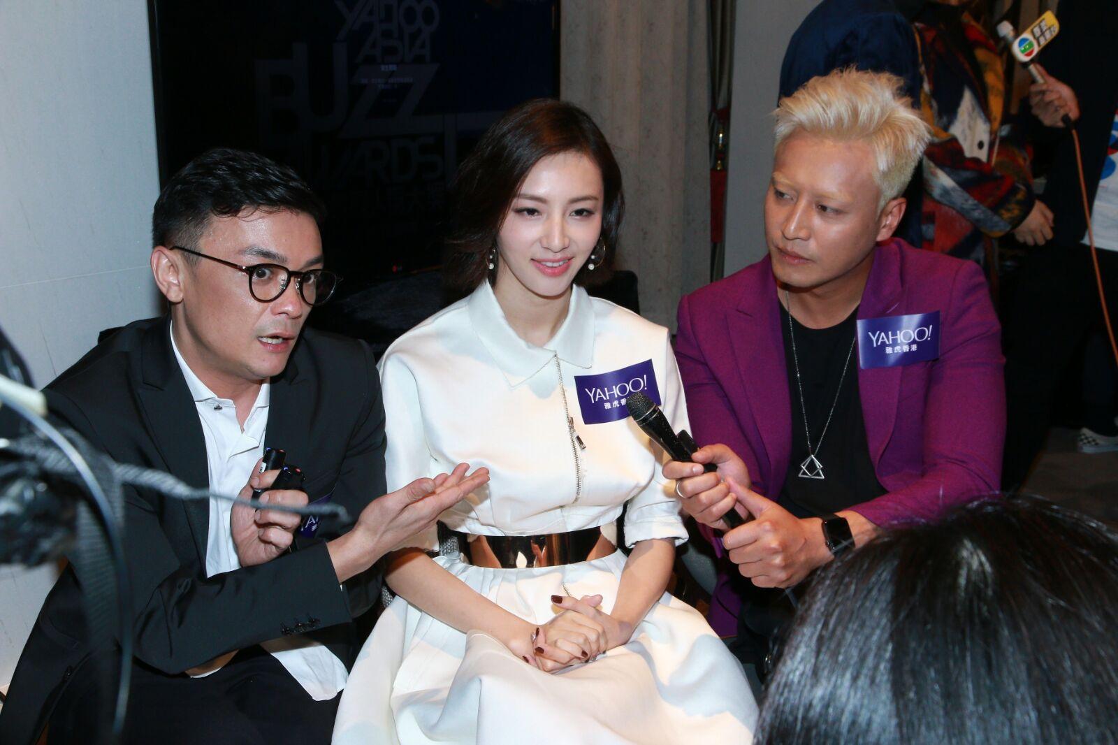 張建聲(右)和陳雅婷(中)主演的網劇《反黑》獲獎。