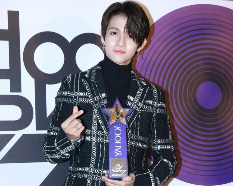 憑韓國綜藝節目《 Produce 101》為人熟悉的Samuel Kim前晚來港出席頒獎禮並獲頒「年度熱搜韓國新人」獎。