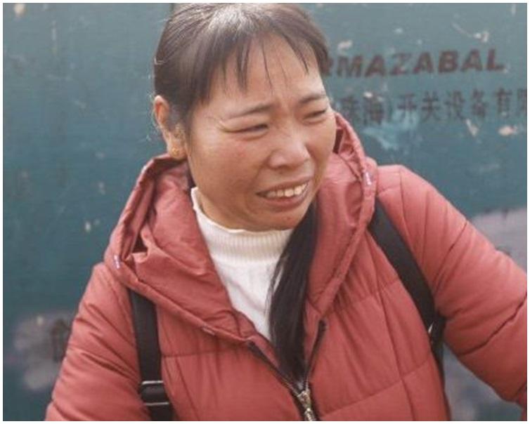 死者母親說起自己兒子姚某無辜被毆斃就十分悲痛。