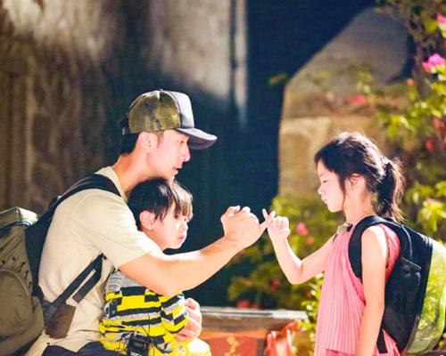 吳尊帶大女NeiNei及兒子Max上《爸爸去哪兒5》很受歡迎。