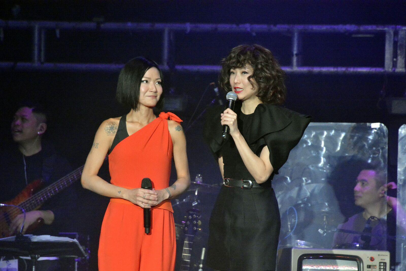 Candy則透露,早前膽粗粗傳短訊給Sammi想邀她任這次演唱會嘉賓。