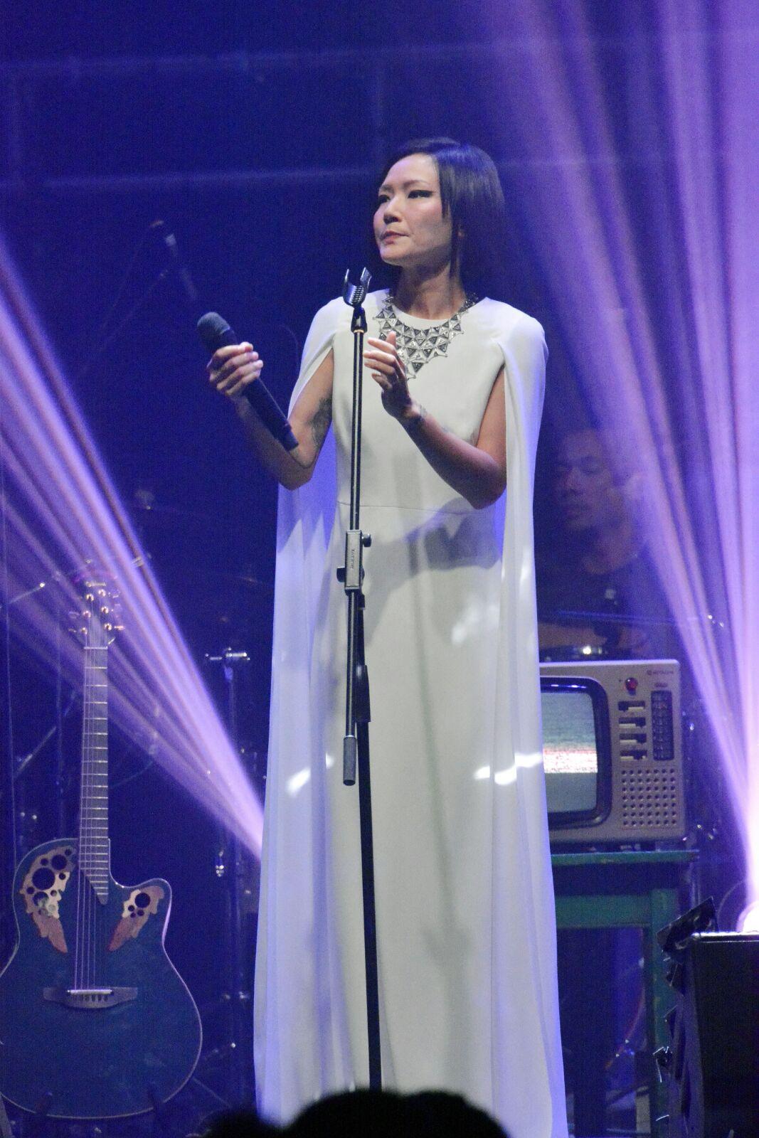 一連兩場「盧巧音RE: TURN」演唱會昨晚在麥英臣場館圓滿結束。