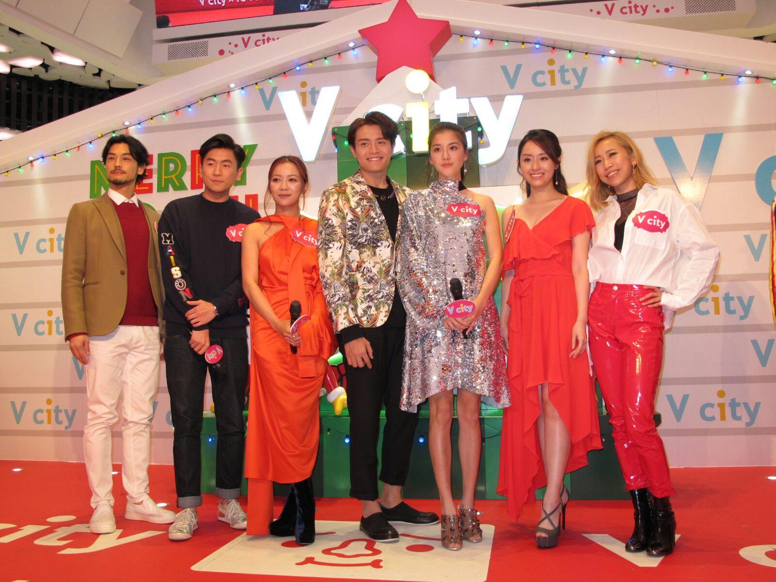 多位藝人昨晚出席於屯門V City舉行的除夕倒數派對。