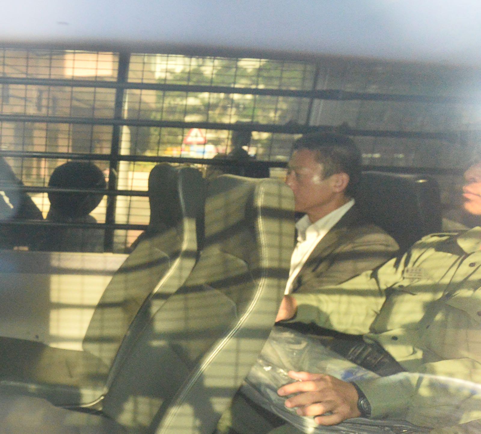 朱經緯今晨由囚車送往法庭。