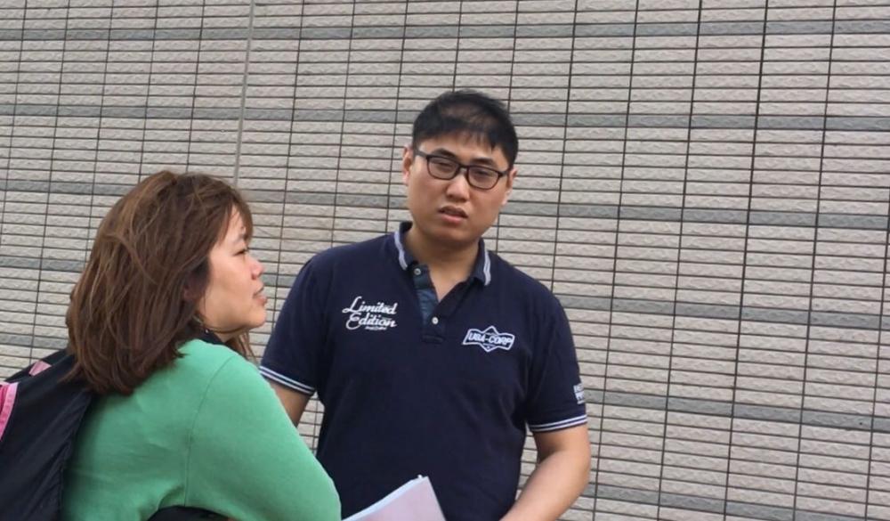 被告吳浩彬(戴眼鏡男子)報稱為運輸工人。劉曉曦攝