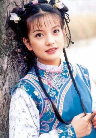 趙薇當年因飾演小燕子爆紅至今。