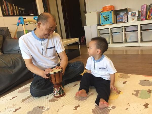徐若瑄兒子Dalton與公公感情要好。