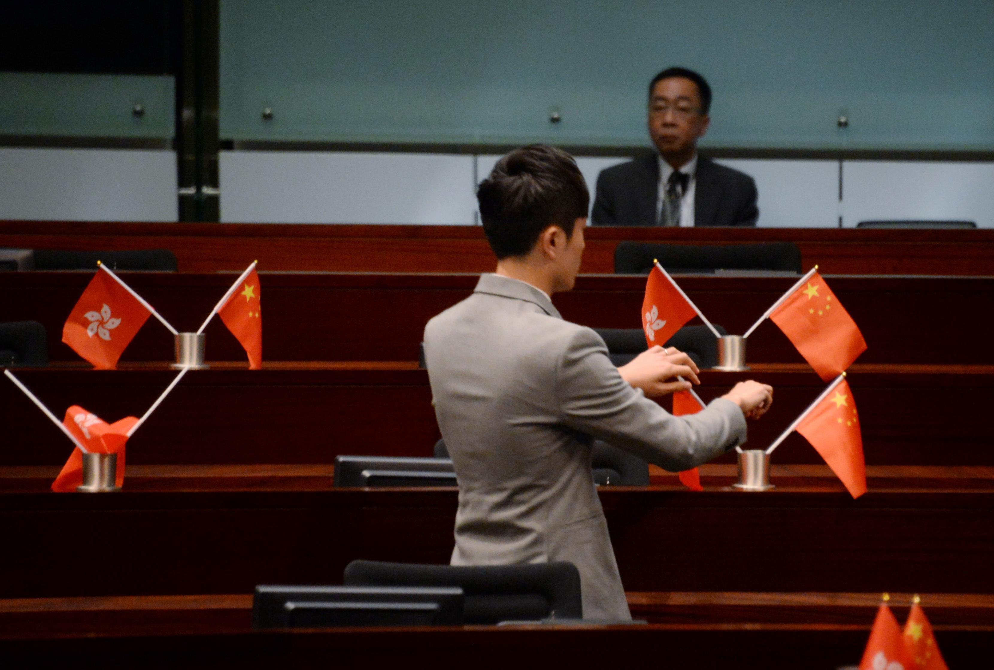鄭松泰早前裁定侮辱國旗區旗兩罪罪成。資料圖片