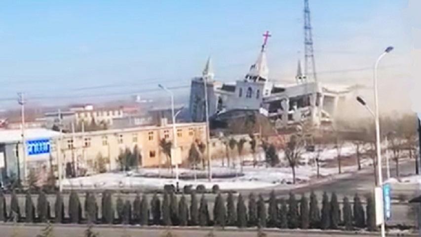 教堂在本9日下午3時左右被引爆。網圖