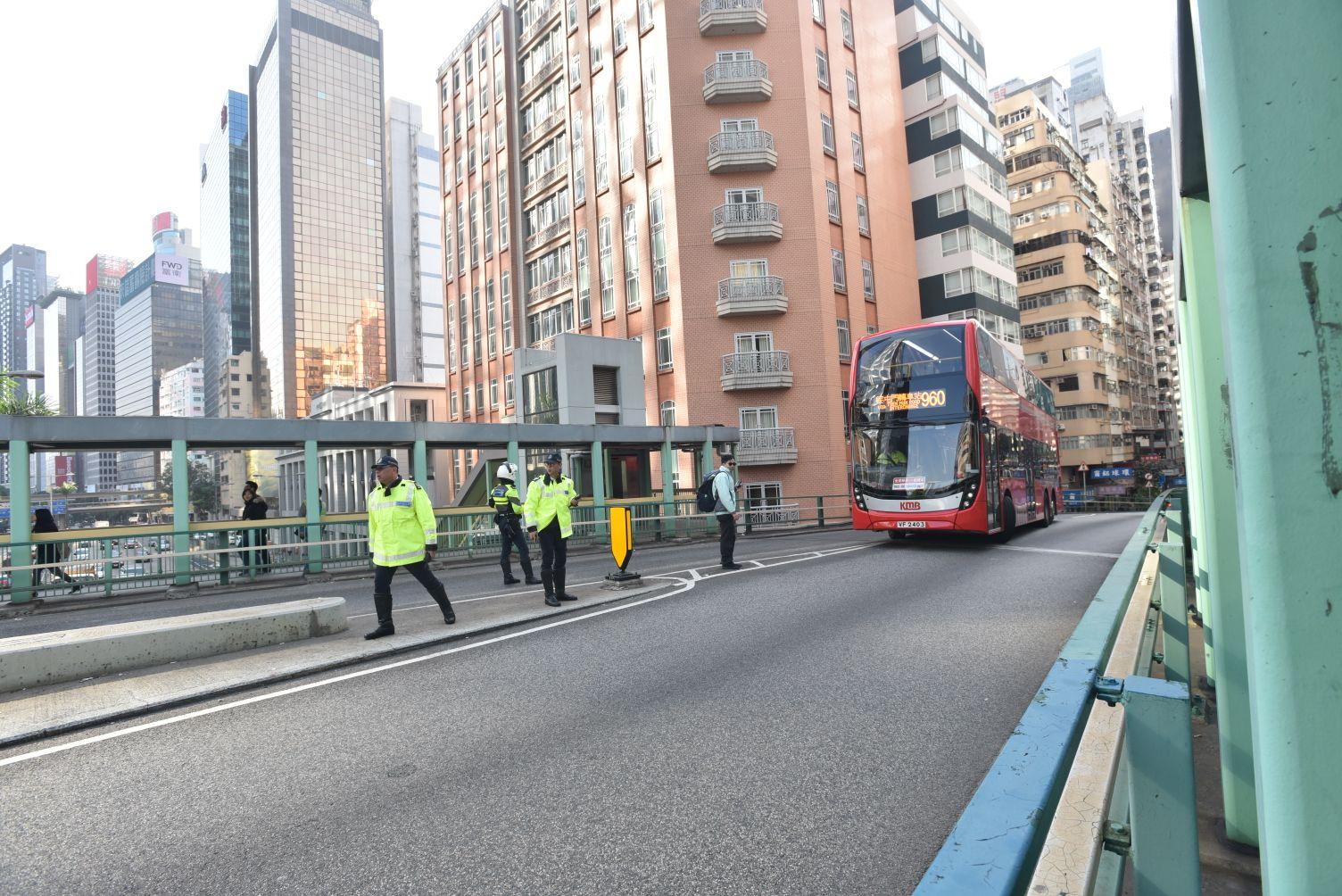 受影響巴士路線須改道行駛。