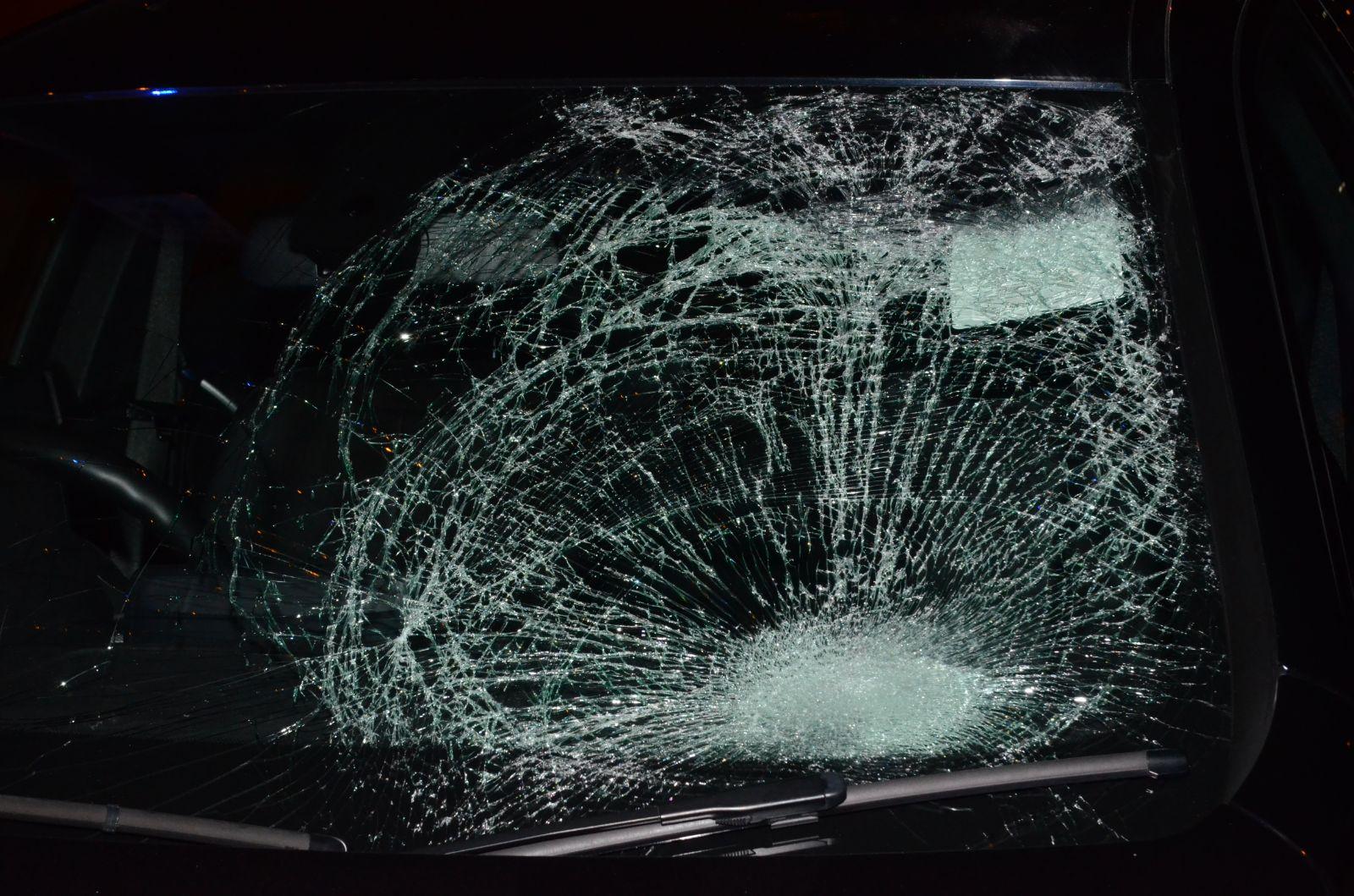 寶馬車窗破裂。李子平攝