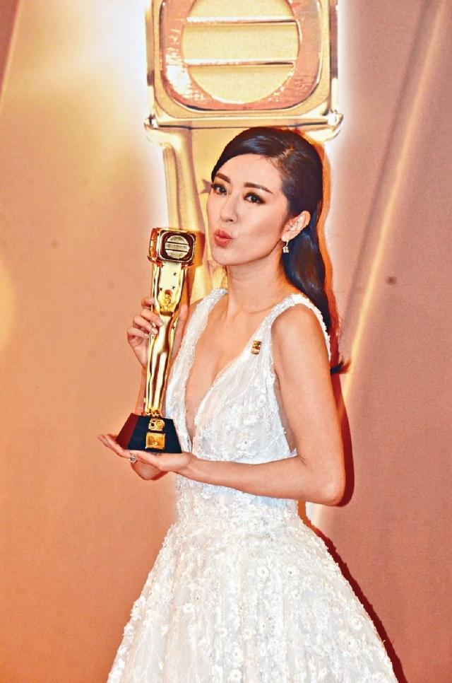 唐詩詠憑《不懂撒嬌的女人》首奪無線「最佳女主角」。