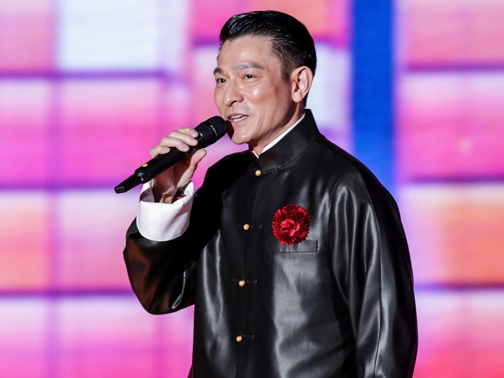 有傳劉德華將第6度登上春晚舞台,獨唱一首新年歌曲。