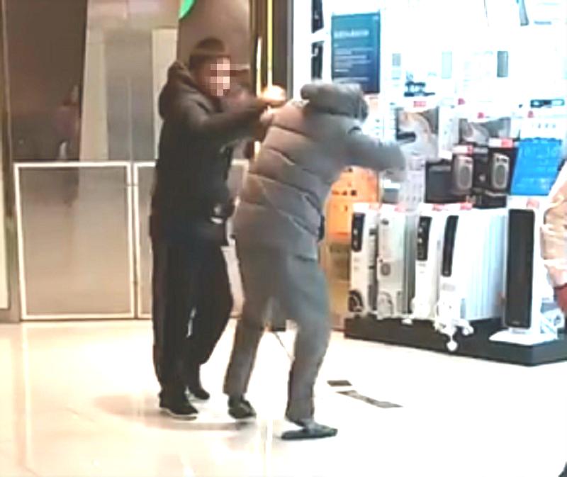 兒子涉嫌拳毆父親。「巴打絲打 Facebook Club」圖片