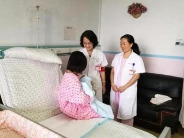 男嬰順利出世,其母親則仍在醫院接受治療和觀察。 網上圖片