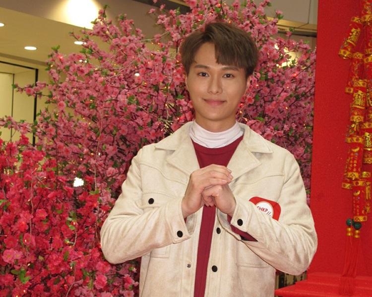 胡鴻鈞打算情人節與家人行花市買桃花。