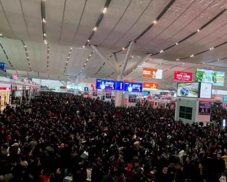 深圳北站爆滿。網圖