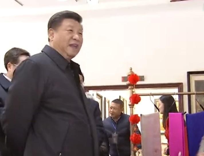 國家主席習近平前往四川考察期間花160元買一雙布鞋。網上圖片