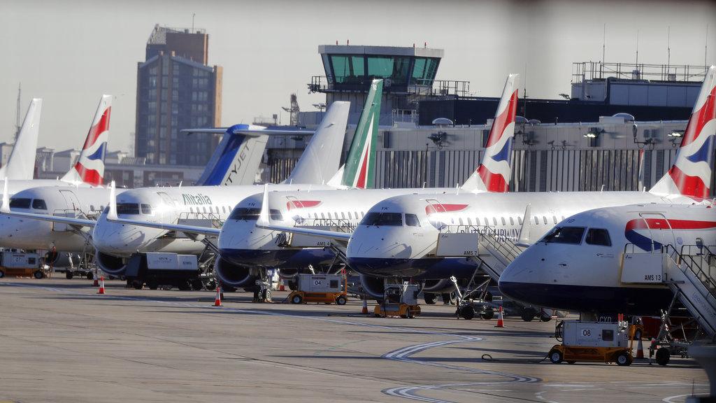 倫敦城市機場261班航班取消。AP圖片