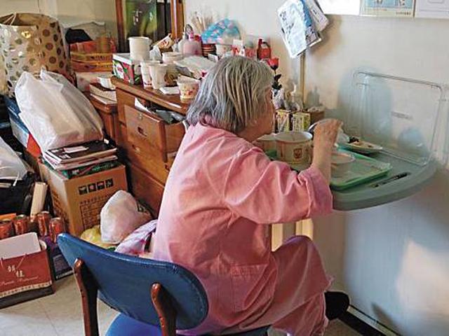 有人踢爆,張婆婆是一名「富婆」,丈夫為蔣經國舊部,擁有物業。  網圖