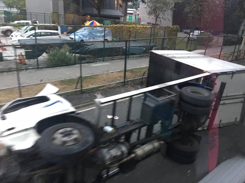貨車發生意外。網民Tai Man圖片