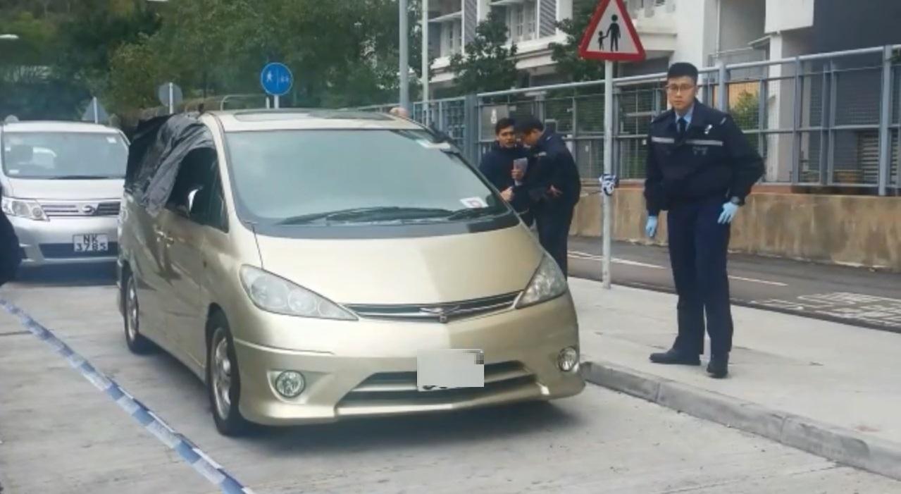 沙田石門48歲男子車内燒炭自殺。