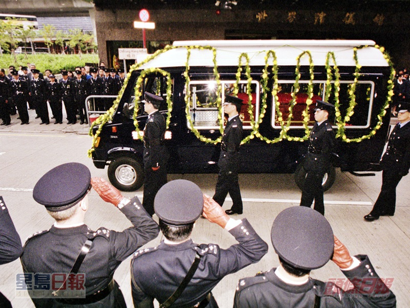 梁成恩以警隊最高榮譽喪禮舉殯﹐靈柩由警車運送浩園。資料圖片