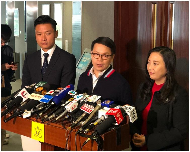 民建聯陳克勤(中)、鄭泳舜(左)及葛珮帆(右),今早約見財爺後見記者。