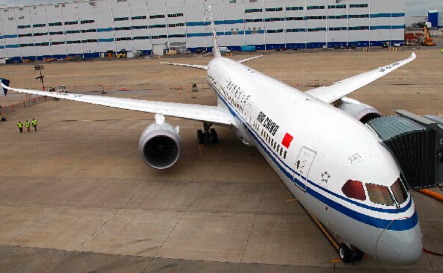 中國國際航空一班客機懷疑撞到雀鳥。資料圖片