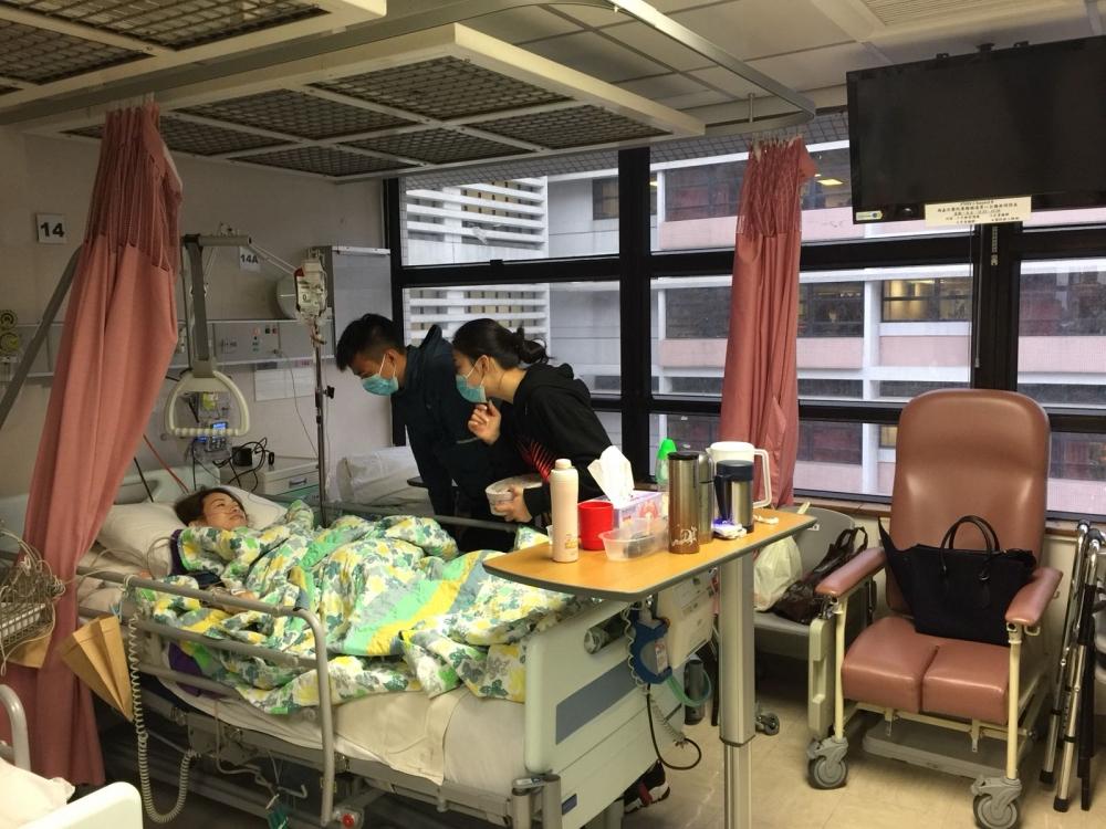 杜穎楠目前仍留院治理。傷者家人提供