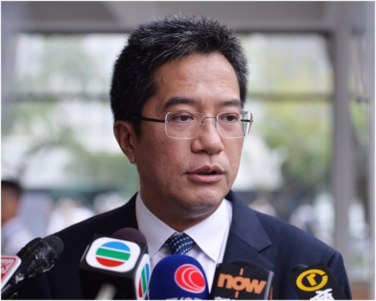 黃偉綸將於4月10日晚上返港。