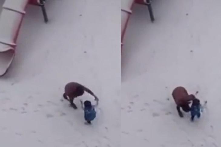 片中可見一名幼稚園女童在學校內被女子虐打,惹來網民關注。