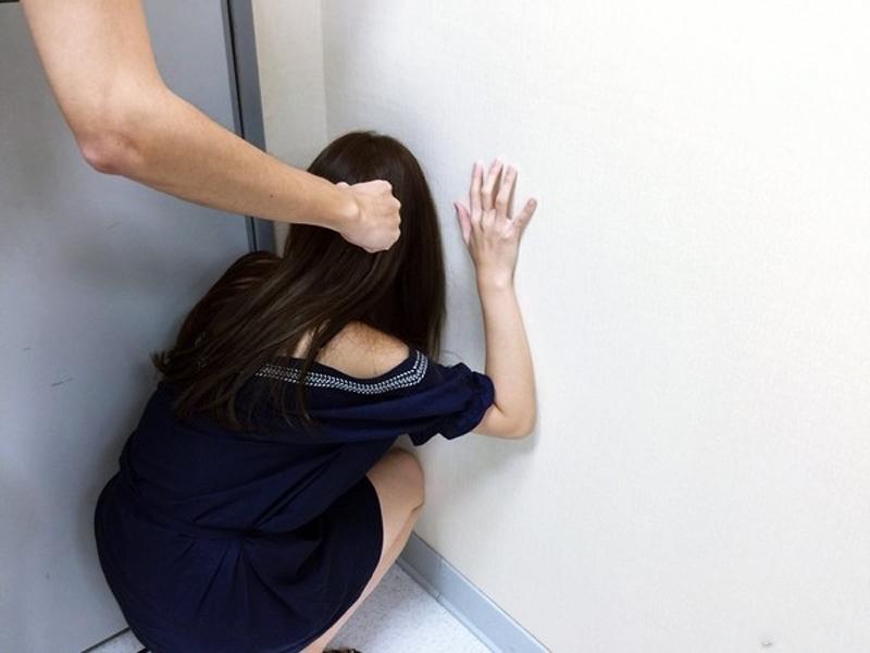 台灣女大學生誤簽SM契約,被迫野戰。(示意圖)